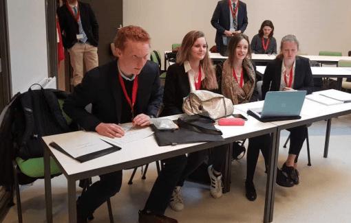 Quatre étudiants du bac Droit participent au