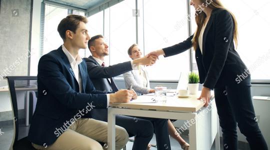Vous êtes employeur et vous souhaitez proposer un job à un diplômé ?