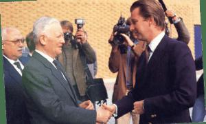 8 mai, inauguration solennelle du bâtiment en présence de S.A.R., le Prince Philippe.
